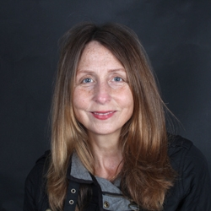 Portrait of Dr Jackie Hughes