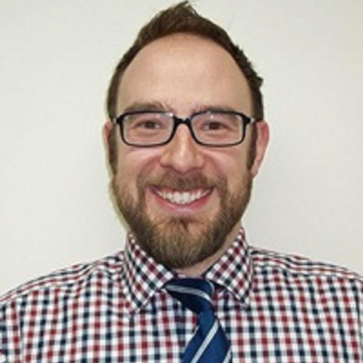 Portrait of Dr Chris Pearce