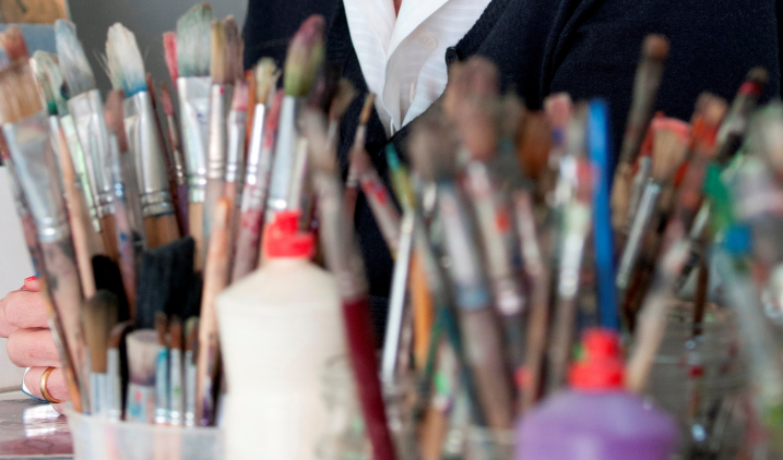 Careers That Involve Arts And Crafts