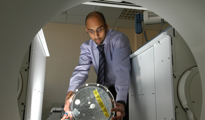 healthcare-scientist-with-CTscanner